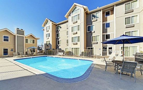 Baymont Inn and Suites Reno: Pool