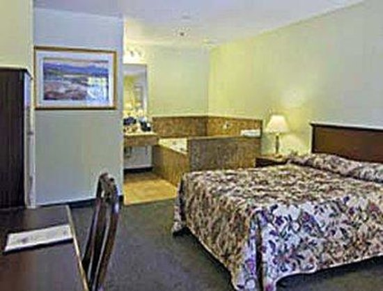 Knights Inn Westminster/Huntington Beach: Guest Room