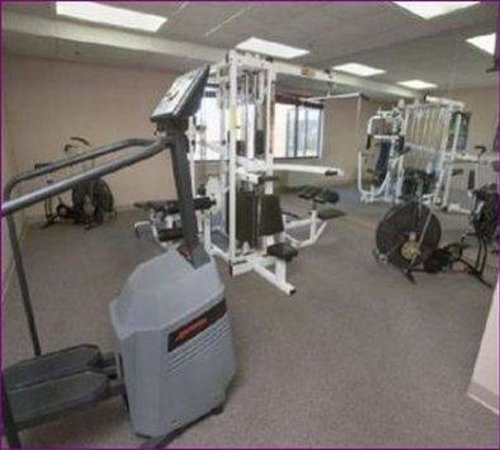 Northrock Suites: Fitnessroom