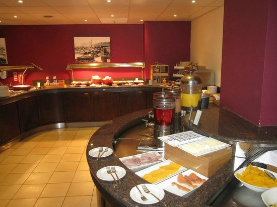 Hilton Sheffield: Breakfast area