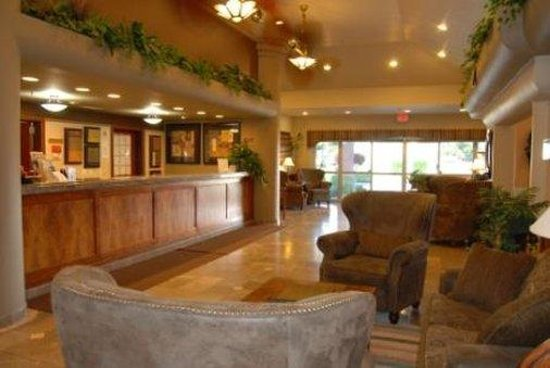 Hermiston, OR: Lobby view
