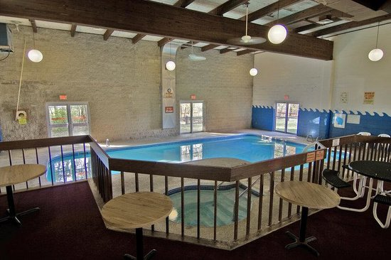 Reedsburg, WI: Pool