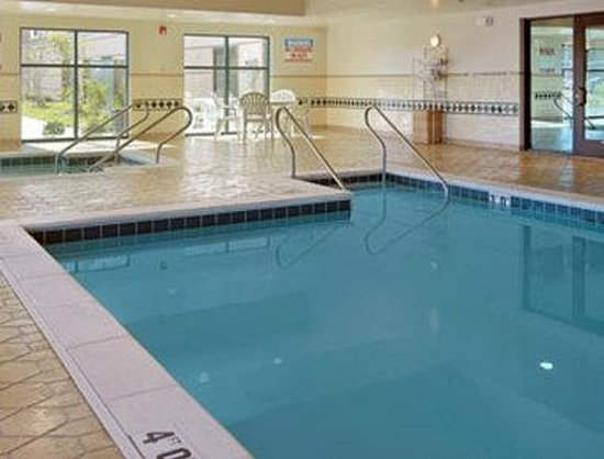 Wingate by Wyndham Chesapeake: Pool