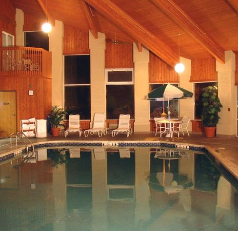 AmeriStay Inn Moses Lake: Pool view