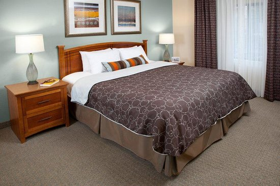 Staybridge Suites Atlanta - Perimeter Center East: Guest Room
