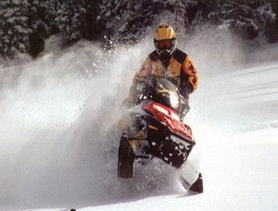 Enderby, Canad: Snowmobiling