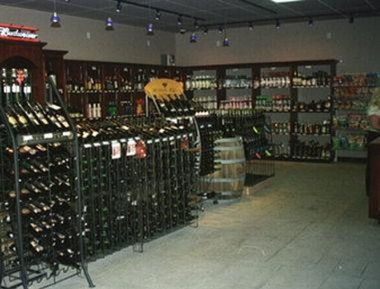 Enderby, Kanada: Beer and Wine Store
