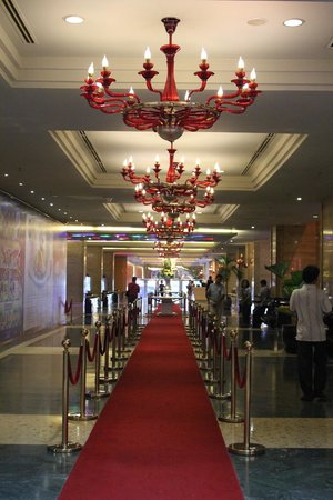 NagaWorld Hotel & Entertainment Complex: Lobby