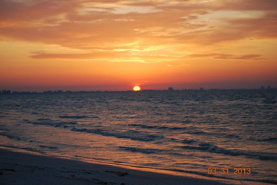 Seaside Inn: Sunrise at Sanibel