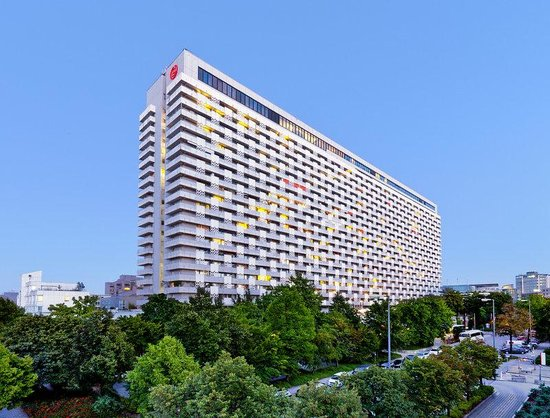 Sheraton Muenchen Arabellapark Hotel