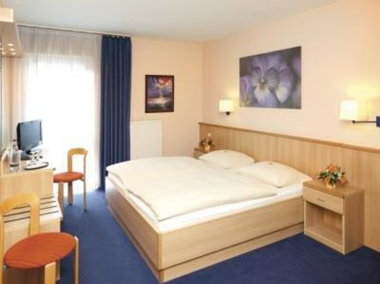 Monheim am Rhein, Germany: Double Room