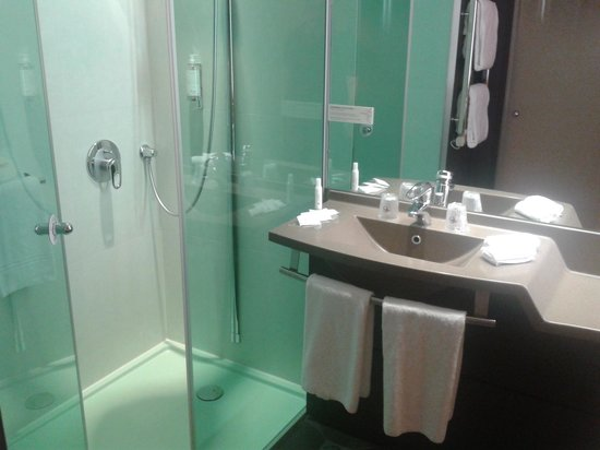 Hotel Oceania Paris Porte de Versailles: Htel Ocania Porte de Versailles - Salle de bain