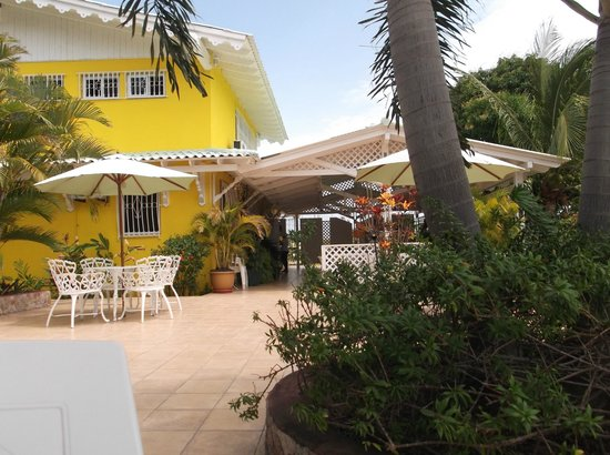 Hostal Casa Amarilla: Hotel & Grounds