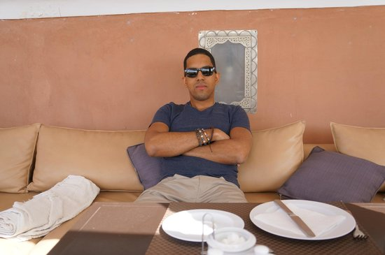 Riad Dar Beldia: Enjoying breakfast at the terrace