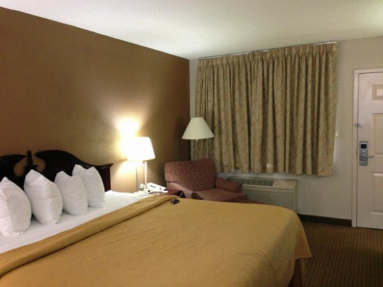 Salem, VA: Room Overview 3