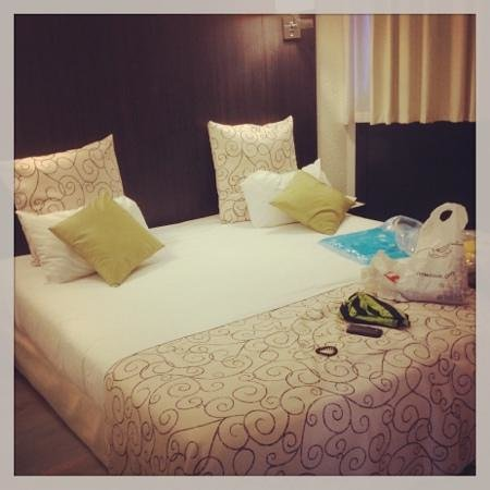 classic double room picture of le bayonne hotel spa bayonne tripadvisor. Black Bedroom Furniture Sets. Home Design Ideas
