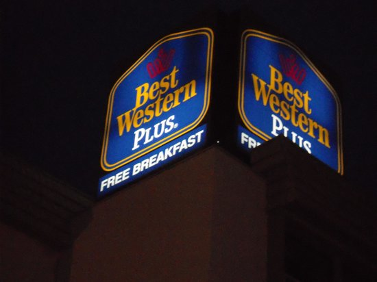 BEST WESTERN PLUS Music Row: Sign