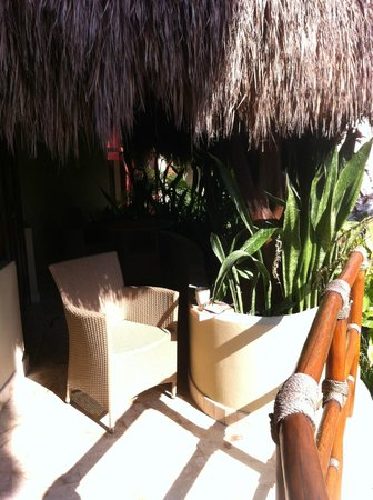Maya Villa Condo Hotel & Beach Club: My morning coffee spot, on our balcony outside the door.