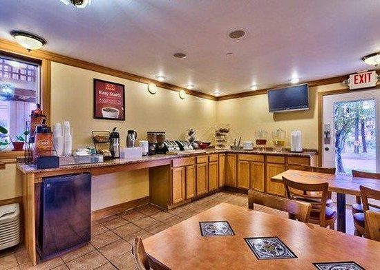 Econo Lodge South Portland: Restaurant