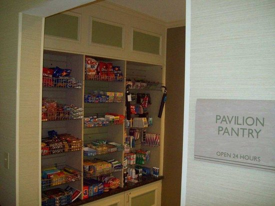 Hilton Garden Inn Beaufort: Pavilion Pantry
