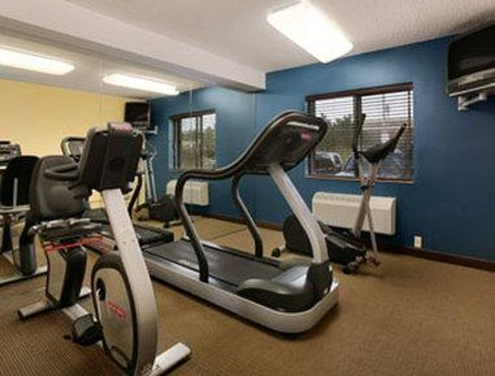 Baymont Inn & Suites Glendale-Milwaukee-NE: Fitness Center