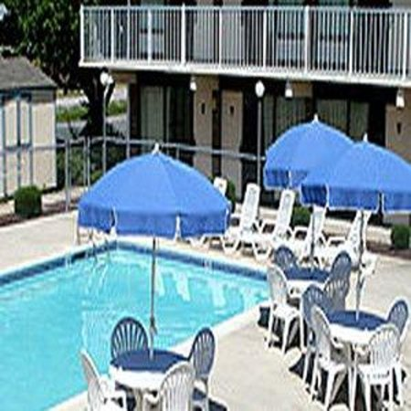 Millsboro, DE: Outdoor Pool