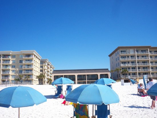 Hampton Inn Ft. Walton Beach: beach outside of Hampton Inn, Ft. Walton Beach, FL