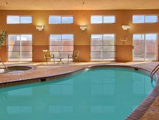 Days Inn and Suites Lordsburg: Pool