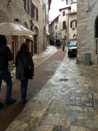 Hotel Il Palazzo: The narrow streets of Assisi