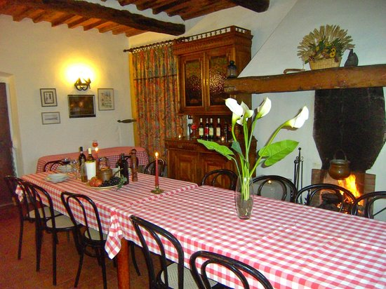 Fattoria Le Poggiola: dining room