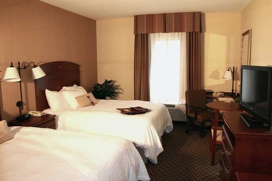 Hampton Inn Duncan: Two Queen Beds