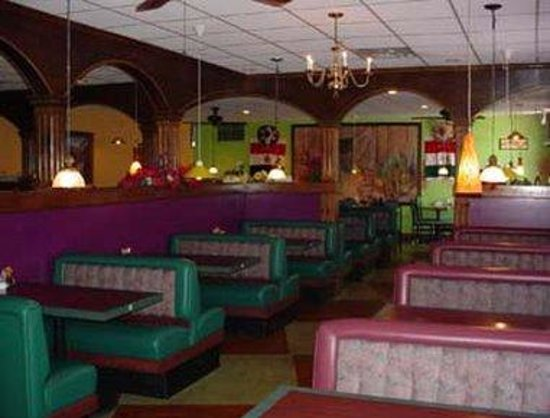 Knights Inn Piqua: El Tapatio - Onsite Mexican Restaurant
