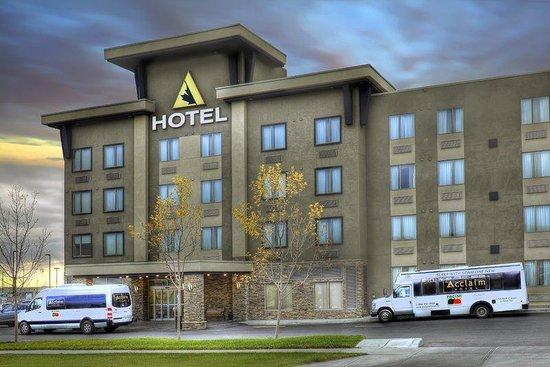 Acclaim Hotel Calgary Airport: Hotel Exteriorat Sunrise