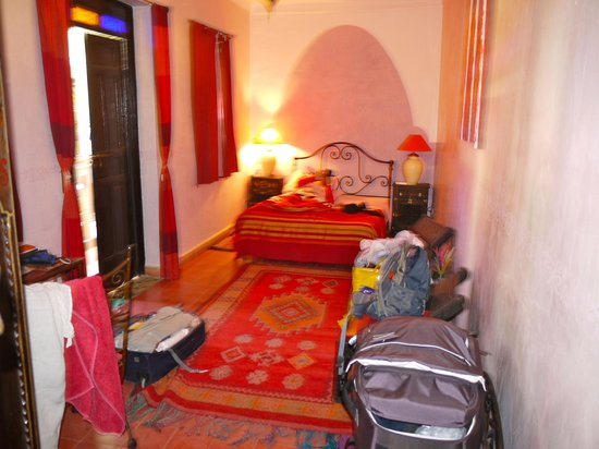 Riad Nomades: our room: spacious and light