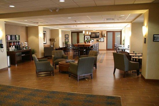 Brighton, CO: Lobby Area