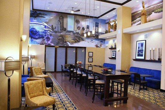 Hampton Inn & Suites Jacksonville - Bartram Park: Perfect Mix Lobby