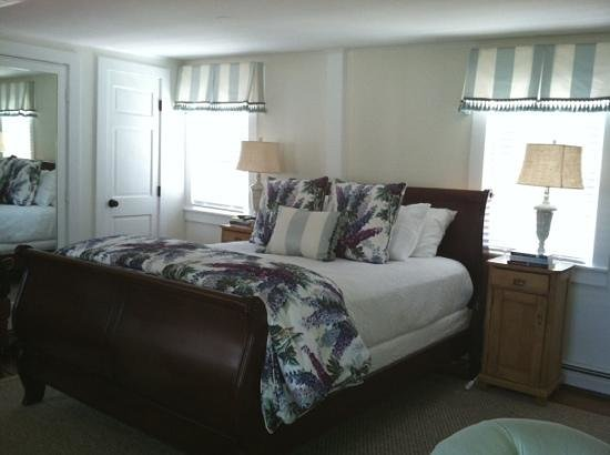 Chatham Gables Inn: room 8