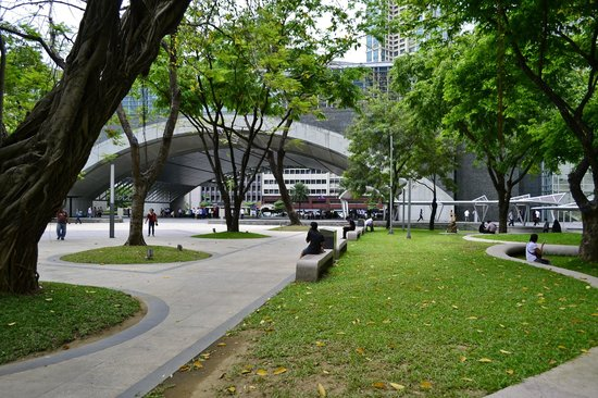 A Beautiful Place Picture Of Ayala Triangle Gardens Makati Tripadvisor