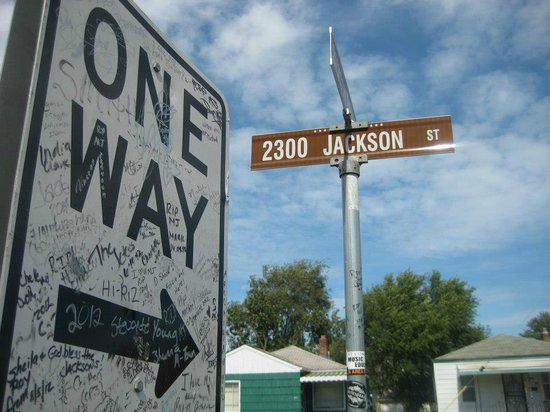 30 minute drive from chicago 39 s downtown loop for Jackson 5 mural gary indiana