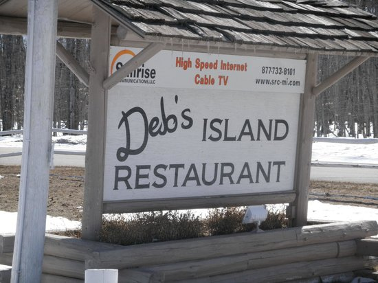 Drummond Island, MI: Sign out front