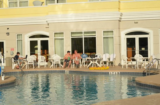 Country Inns & Suites By Carlson, Cape Canaveral: poolside