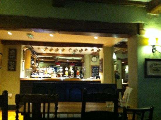 Hadley Bowling Green Inn: Bar