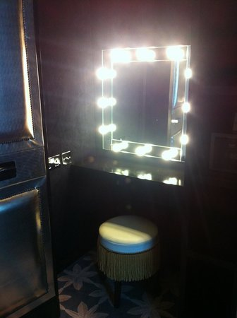 Merchant Hotel: Vanity