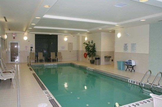 Elliot Lake, แคนาดา: Saltwater Heated Pool