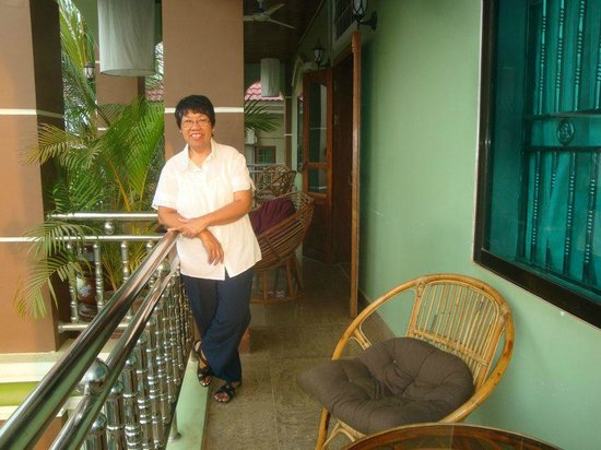 Firefly Guesthouse- The Berlin Angkor: Balcony on the second floor