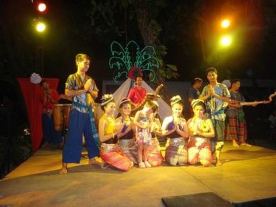 Baan Chaweng Beach Resort & Spa : Entertainment at hotel