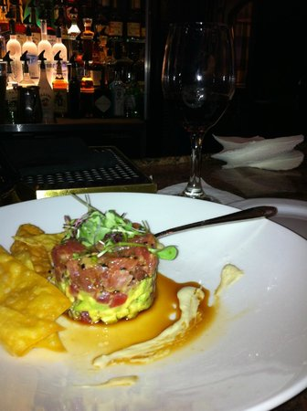 Hamilton Crowne Plaza Hotel: Awesome Ahi Tuna!