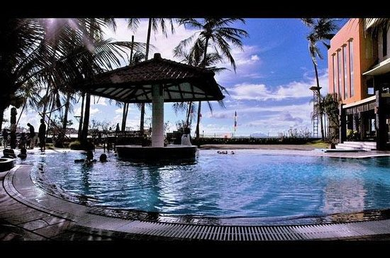 Hotel Jayakarta Anyer Beach Resort: Pool
