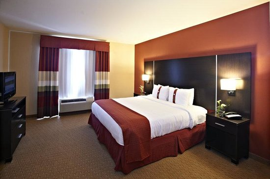 Holiday Inn Birmingham-Hoover: Deluxe King Room