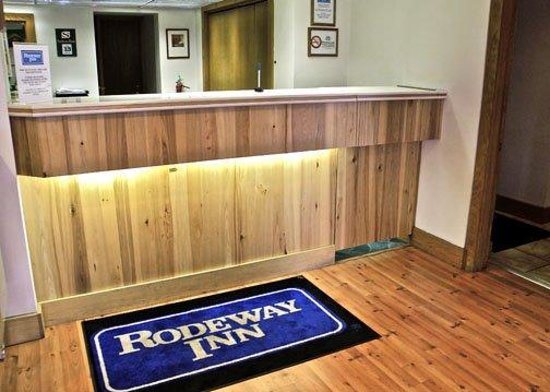 Rodeway Inn Billings: MTRoadway Inn PFront Desk